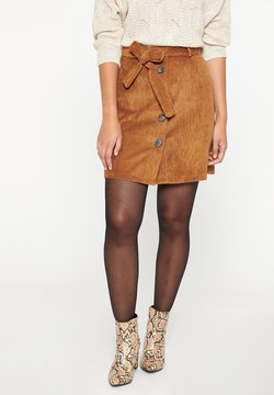 LolaLiza - WITH BUTTONS - A-lijn rok - camel brown