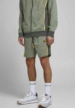 Jack & Jones - Shorts - oil green