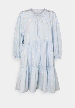 EDITED - JOANNA DRESS - Freizeitkleid - light blue
