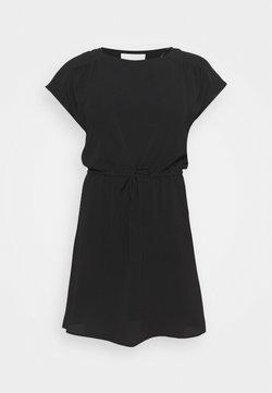 Vero Moda Curve - VMSASHA BALI DRESS - Freizeitkleid - black
