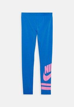 Nike Sportswear - FAVORITE  - Leggings - Hosen - pacific blue/magic flamingo