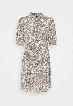 Vero Moda - VMLISSY SHORT DRESS - Blusenkleid - kalamata/snow white