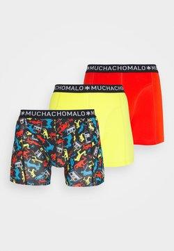 MUCHACHOMALO - BREAK 3 PACK - Shorty - red/yellow