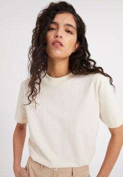 ARMEDANGELS - T-Shirt basic - beige