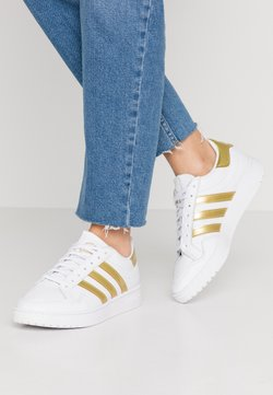 adidas Originals - TEAM COURT - Baskets basses - footwear white/gold metallic