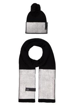 Calvin Klein - LAMINA GIFTBOX  SCARF BEANIE SET - Schal - black