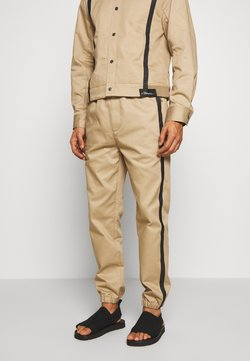 3.1 Phillip Lim - CLASSIC TRACK PANT SIDE TAPES - Trousers - sand