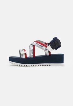 Tommy Jeans - STRAPPY - Korkeakorkoiset sandaalit - twilight navy