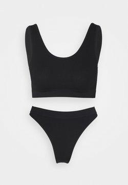 Cotton On Body - SEAMFREE CROP BRALETTE SEAMFREE HIGH CUT BRASILIAN - Slip - black