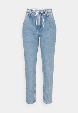 Calvin Klein Jeans - MOM  - Jeans Relaxed Fit - denim light