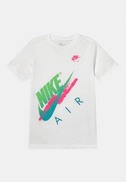 Nike Sportswear - BEACH BRANDMARK - T-Shirt print - white
