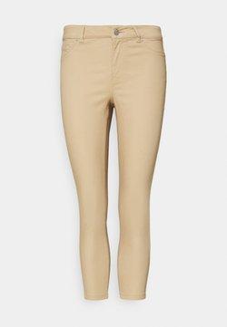Vero Moda Petite - VMHOT SEVEN  - Slim fit jeans - beige