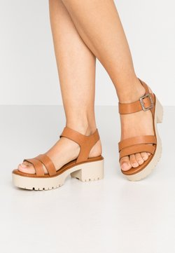 mtng - PLEXY - Sandalen met plateauzool - brown