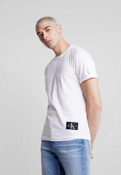 Calvin Klein Jeans - BADGE TURN UP SLEEVE - T-shirt basic - bright white
