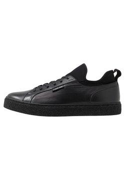 Calvin Klein - EDWYN LOW TOP LACE UP - Sneakers laag - black