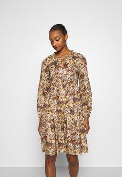 Cream - AUGUSTA DRESS - Hverdagskjoler - brown fall leafs