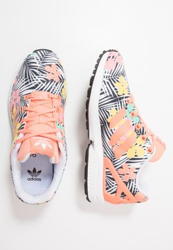 adidas Originals - ZX FLUX - Sneaker low - chalk coral/footwear white