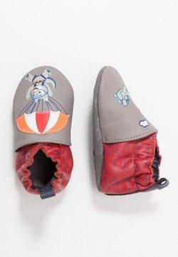 Robeez - HAPPY WOLF - Chaussons pour bébé - gris/rouge