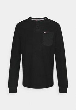 Tommy Jeans - POCKET HENLEY - Pitkähihainen paita - black