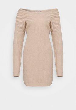 Missguided Petite - AYVAN OFF SHOULDER DRESS - Strickkleid - beige