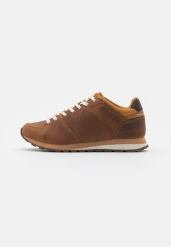 Caterpillar - VENTURE BASE - Sneaker low - brown sugar