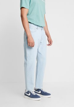 Quiksilver - UPSIZEDICE PANT - Relaxed fit jeans - ice