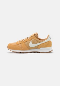 Nike Sportswear - INTERNATIONALIST - Sneaker low - twine/summit white/black