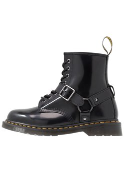 Dr. Martens - 1460 HARNESS BOOT - Lace-up ankle boots - black
