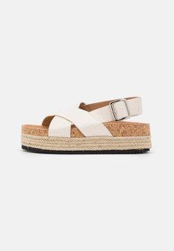 Monki - VEGAN JANNIKE - Korkeakorkoiset sandaalit - white dusty light