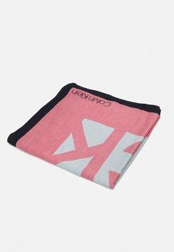 Calvin Klein - SCARF - Chusta - pink