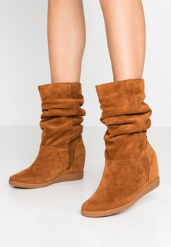 Shoe The Bear - EMMY SLOUCHY - Keilstiefel - brown