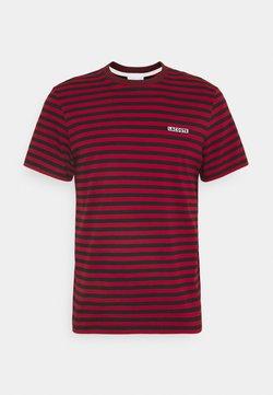Lacoste - T-shirt con stampa - alizarine/abimes