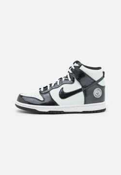 Nike Sportswear - DUNK SE UNISEX - High-top trainers - barely green/black/white