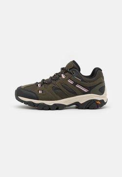 Hi-Tec - RAVUS VENT LITE LOW WP WOMENS - Hiking shoes - forest green/black/mellow rose