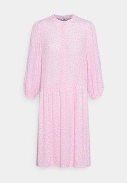 mbyM - CORRY - Freizeitkleid - undine pink