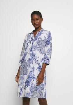 Emily van den Bergh - DRESS - Vestido camisero - white/blue