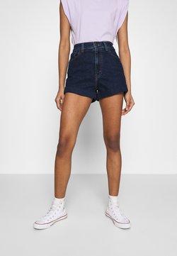 Levi's® - MOM LINE  - Jeans Shorts - make a splash