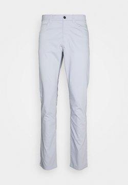 Nike Golf - FLEX 5 POCKET PANT - Broek - sky grey/wolf grey