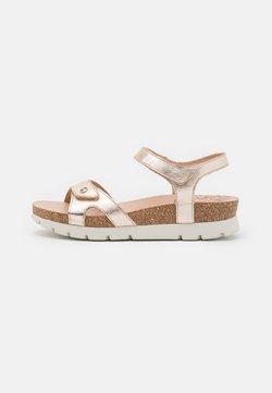 Panama Jack - SULIA SHINE  - Sandaalit nilkkaremmillä - gold