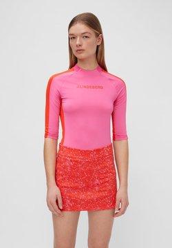 J.LINDEBERG - MARGOT SOFT COMPRESSION - Funktionsshirt - pop pink