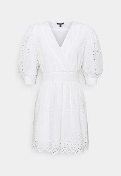 Mavi - V NECK DRESS - Korte jurk - white