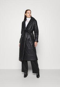Who What Wear - BELTED PUFFER COAT - Abrigo - black