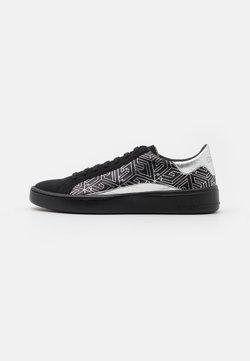 Guess - VERONA - Sneaker low - black