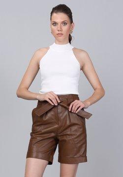 Basics and More - Shorts - peanut