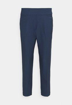 adidas Golf - PULLON ANKLE PANT - Stoffhose - crew navy