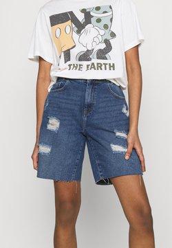 Noisy May - NMLUCKY LONGBOARDER SHORTS - Jeans Shorts - medium blue denim