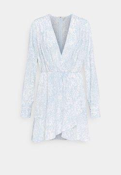 Nly by Nelly - FLOUNCE AROUND DRESS - Vestido informal - light blue