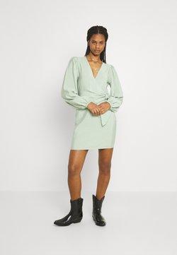 Envii - ENCULHANE DRESS - Cocktailkleid/festliches Kleid - faded green