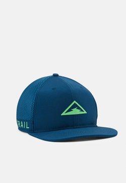 Nike Performance - DRY PRO TRAIL UNISEX - Gorra - valerian blue/poison green