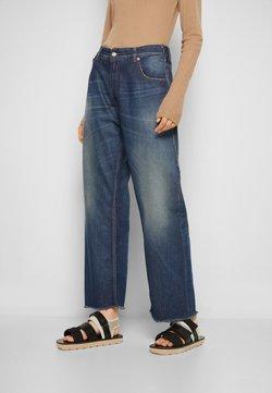 MM6 Maison Margiela - PANTS 5 POCKETS - Jeans relaxed fit - vintage/blue